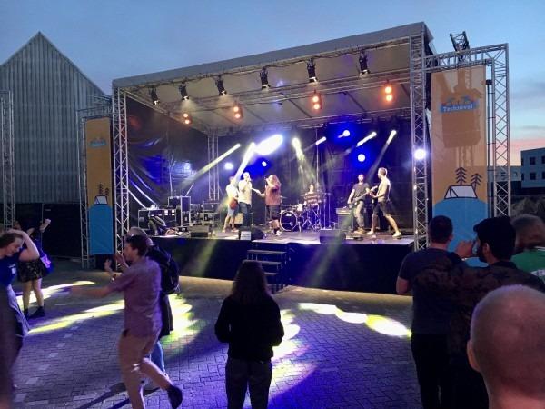 lichtshows outdoor stage
